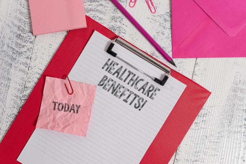 Οφέλη υγειονομικής περίθαλψης γραψίματος κειμένων γραφής Η έννοια που σημαίνει τη μηνιαία δίκαιη αγορά στους υποτελείς υπαλλήλων στοκ εικόνες