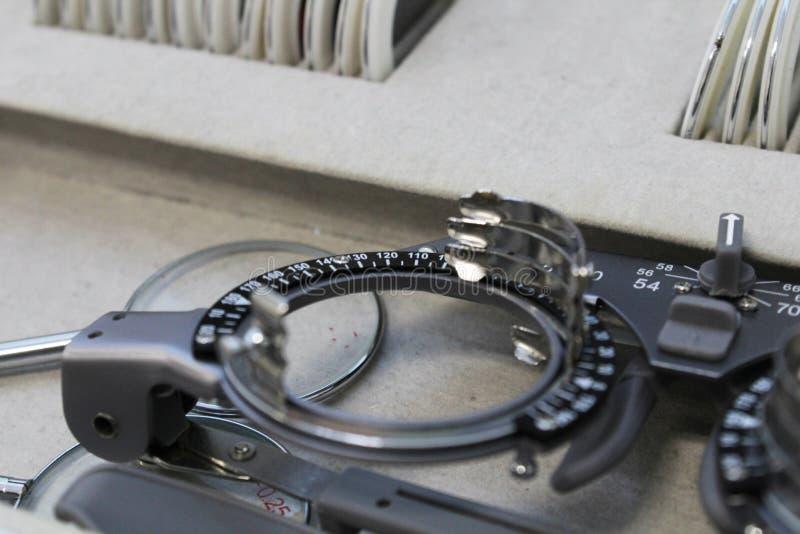 Οφθαλμικός εξοπλισμός έλεγχος οπτικής οξύτητας στοκ εικόνα