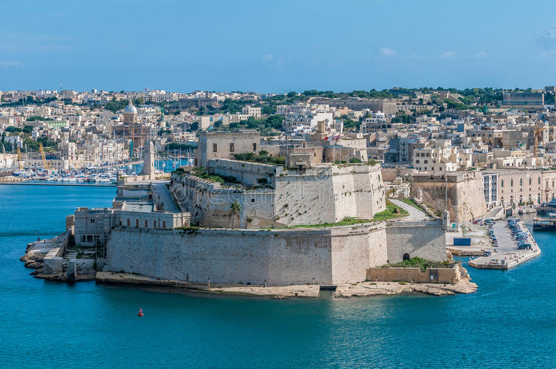 Οχυρό Άγιος Angelo σε Vittoriosa Birgu, Μάλτα, όπως βλέπει από στοκ φωτογραφία