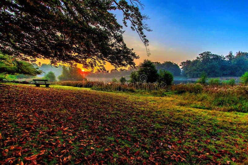 Ο ήλιος αυξάνεται, ένα πρωί αρχές Οκτωβρίου στοκ φωτογραφία με δικαίωμα ελεύθερης χρήσης