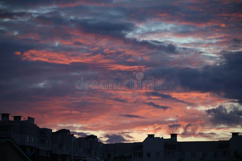 Ο ήλιος Backgraund, όμορφος, ουρανός ηλιοβασιλέματος στοκ φωτογραφίες με δικαίωμα ελεύθερης χρήσης