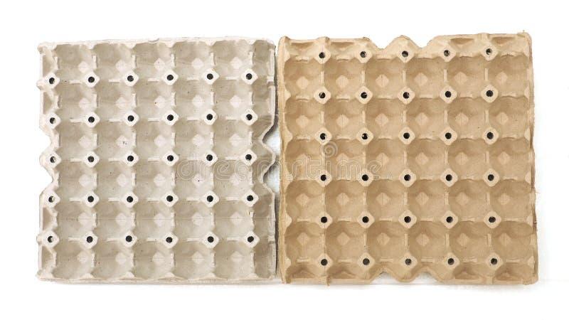 Ο δίσκος αχύρου είναι συσκευασία αυγών απομονώνει στοκ φωτογραφία με δικαίωμα ελεύθερης χρήσης