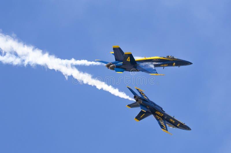 Ο αέρας παρουσιάζει μπλε αγγέλους στοκ εικόνες