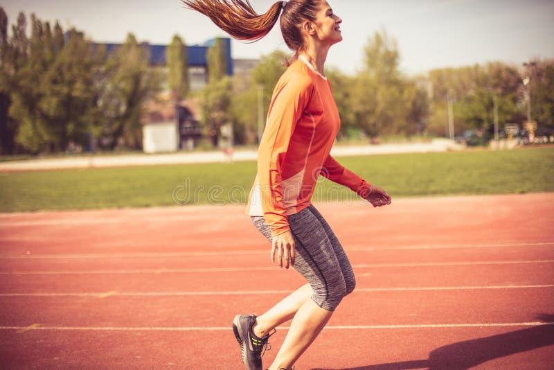 Ο αθλητισμός είναι καλός για όλο το σώμα σας στοκ εικόνα