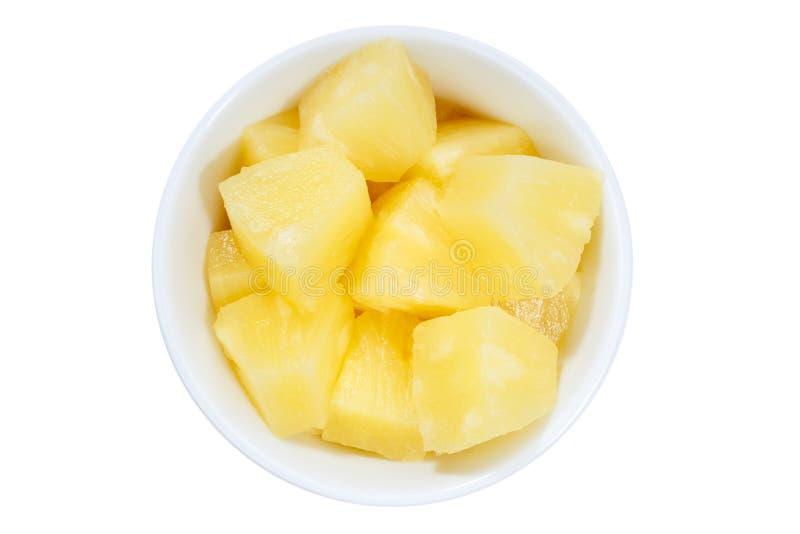 Ο ανανάς τεμαχίζει το κύπελλο φρούτων άνωθεν που απομονώνεται στο λευκό στοκ φωτογραφία με δικαίωμα ελεύθερης χρήσης