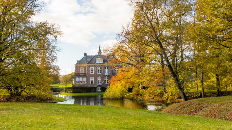 Ολλανδικό σπίτι μεγάρων στοκ εικόνα