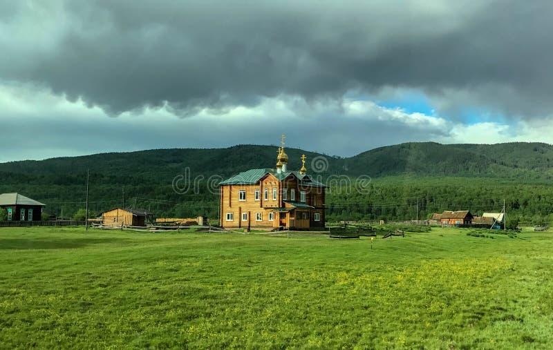 Ο απόμακρος παλαιός ναός Ρωσία στοκ φωτογραφία