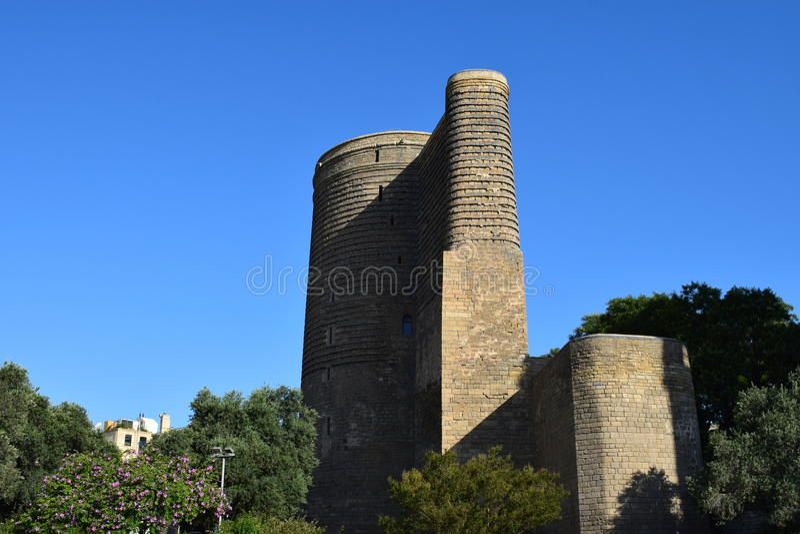 Ο αρχαίος πύργος κοριτσιών ` s στοκ εικόνα με δικαίωμα ελεύθερης χρήσης