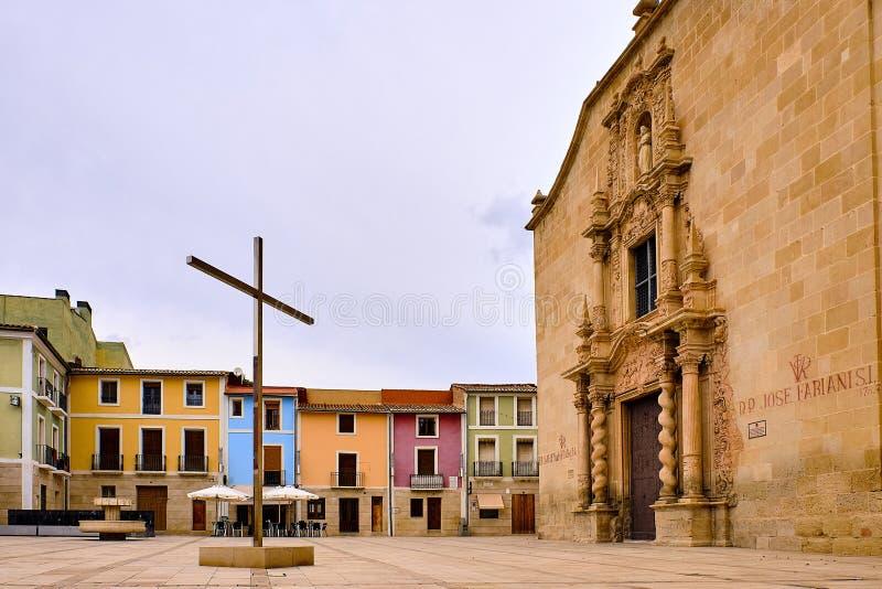 Ο ασημένιος σταυρός στους ανθρώπους Santa Faz ετησίως από το 1489 περπατά το προσκύνημα στο μοναστήρι Santa Faz όπου είναι θεωρεί στοκ εικόνα