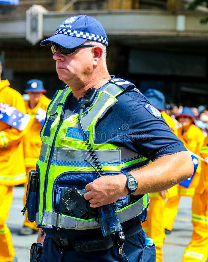 Ο αστυφύλακας της αστυνομίας Victoria παρέχει ασφάλεια κατά τη διάρκεια της παρέλασης 2019 στην Αυστραλία στη Μελβούρνη στοκ φωτογραφία