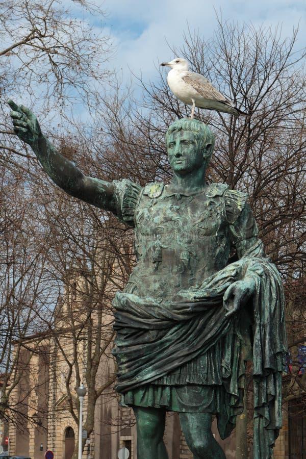 Ο αυτοκράτορας και Seagull, Gijon, Ισπανία στοκ φωτογραφία με δικαίωμα ελεύθερης χρήσης