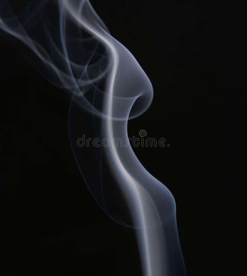 ο αφηρημένος Μαύρος ανασκόπησης πέρα από το λευκό καπνού στοκ φωτογραφία με δικαίωμα ελεύθερης χρήσης