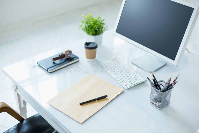 Ο αφηρημένος υπολογιστής γραφείου γραφείων στοκ εικόνες