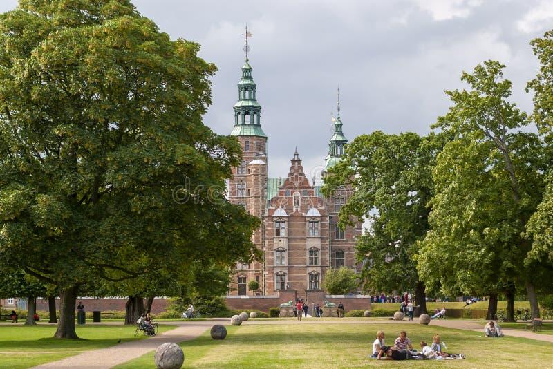 Ο βασιλικός κήπος και το Rosenborg Castle, Κοπεγχάγη, Δανία στοκ φωτογραφία