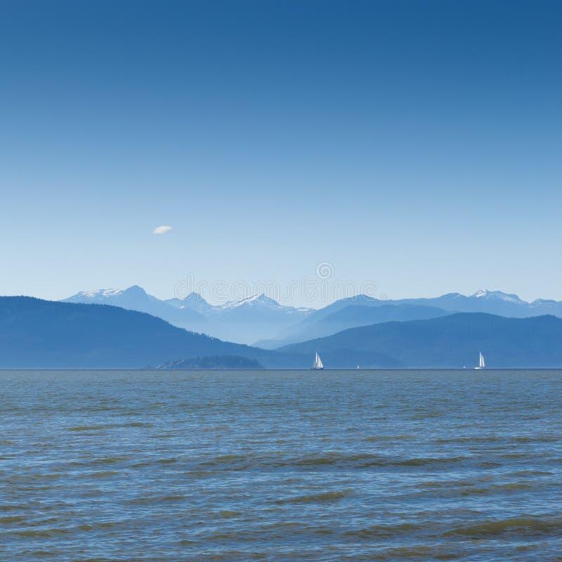 Ο Βορράς άποψης από την παραλία συντριμμιών στοκ φωτογραφίες