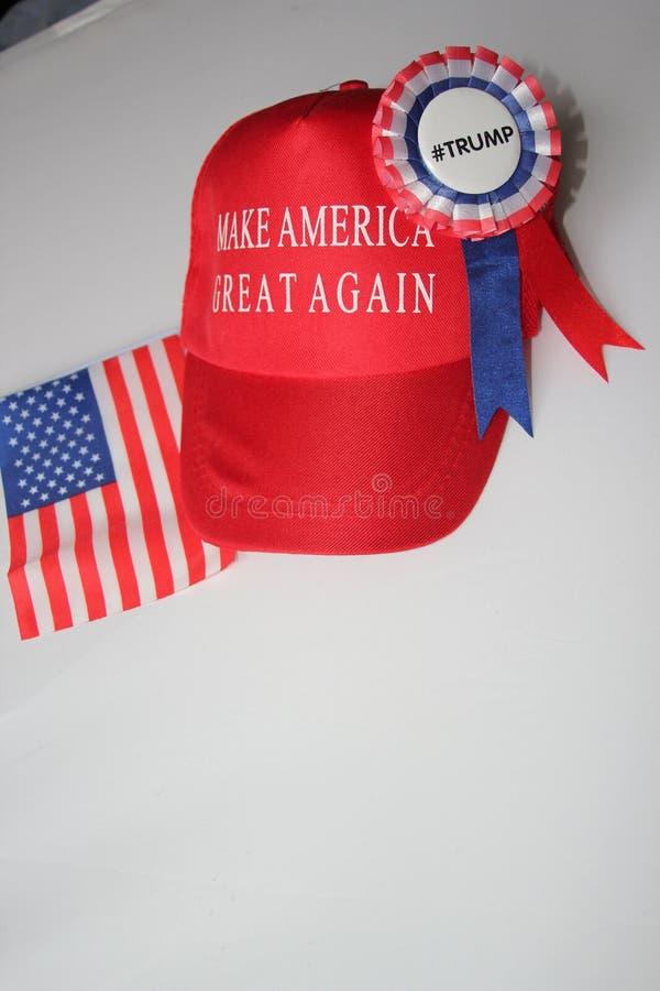 Ο Δημοκρατικός καπέλων εκστρατείας ατού του Donald καθιστά την Αμερική μεγάλη πάλι στοκ εικόνες