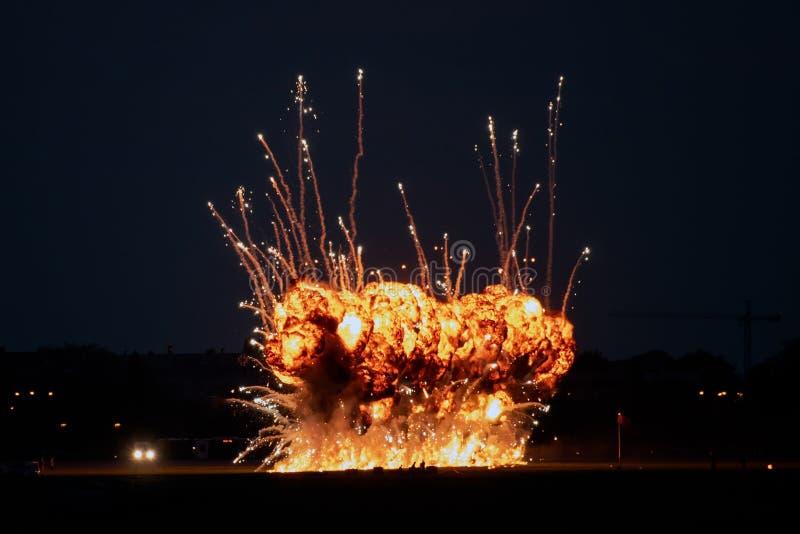 Ο διεθνής αέρας του Βουκουρεστι'ου παρουσιάζει μεγάλη έκρηξη φινάλε στοκ εικόνα με δικαίωμα ελεύθερης χρήσης