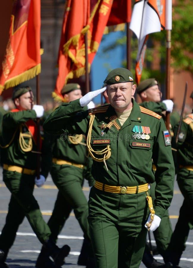 Ο διοικητής του εθιμοτυπικού υπολογισμού μιας χωριστής ταξιαρχίας σιδηροδρόμων, συνταγματάρχης Igor Orlov, κατά τη διάρκεια της π στοκ φωτογραφίες με δικαίωμα ελεύθερης χρήσης