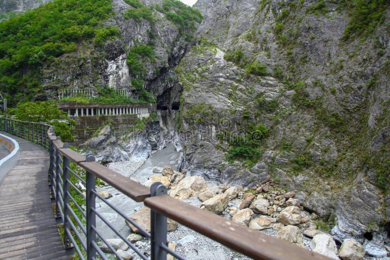 Ο δρόμος και η θέα του τοπίου του εθνικού πάρκου Taroko στο Hualien της Ταϊβάν στοκ φωτογραφίες με δικαίωμα ελεύθερης χρήσης