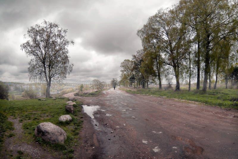 Ο δρόμος στην ομίχλη Tver Ρωσία στοκ εικόνες