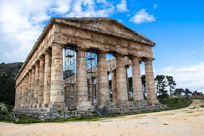 Ο δωρικός ναός Segesta στη Σικελία, Ιταλία στοκ φωτογραφίες με δικαίωμα ελεύθερης χρήσης