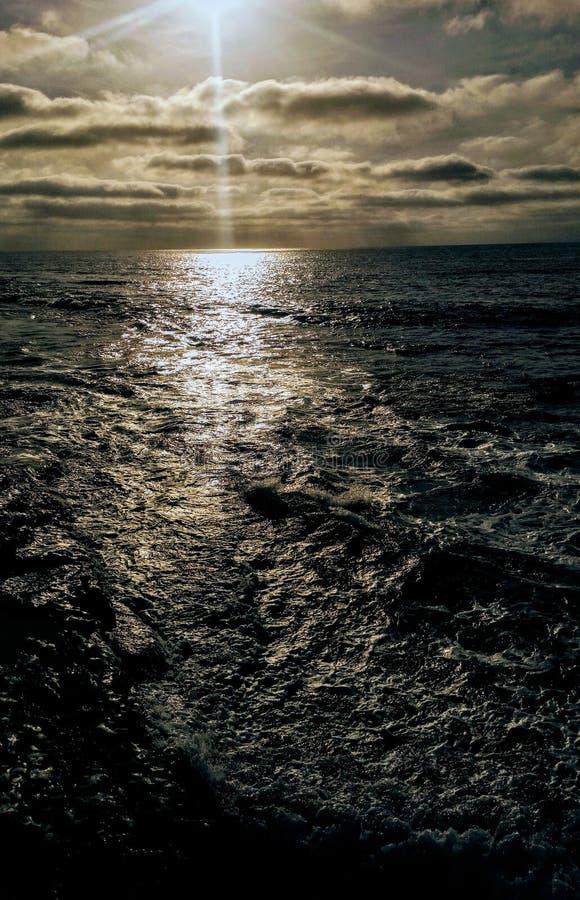 Ο Ειρηνικός Ωκεανός, ο ουρανός συναντά τη θάλασσα, Σαν Ντιέγκο Καλιφόρνια στοκ φωτογραφία