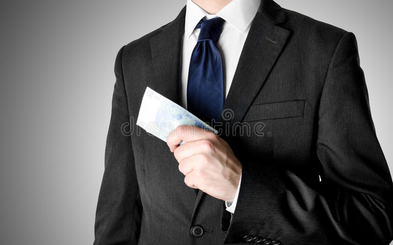 Ο επιχειρηματίας έντυσε στην εκμετάλλευση είκοσι κοστουμιών ευρο- Bill στοκ φωτογραφίες