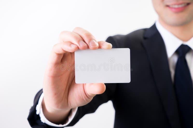 Ο επιχειρηματίας με την κάρτα επιχειρησιακού ονόματος, μας έρχεται σε επαφή με έννοια στοκ εικόνες
