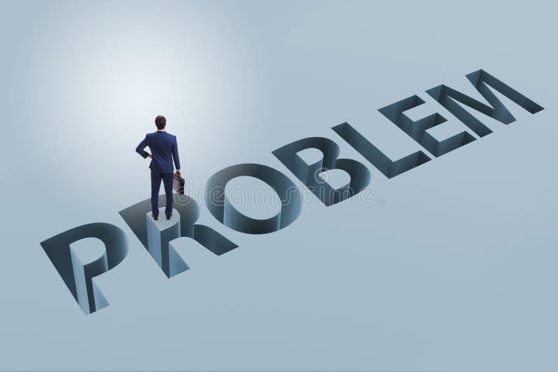 Ο επιχειρηματίας που υπερνικά το επιχειρησιακό οικονομικό πρόβλημα στοκ φωτογραφίες με δικαίωμα ελεύθερης χρήσης