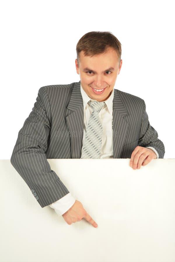 ο επιχειρηματίας χαρτονιών εμφανίζει στοκ φωτογραφία με δικαίωμα ελεύθερης χρήσης