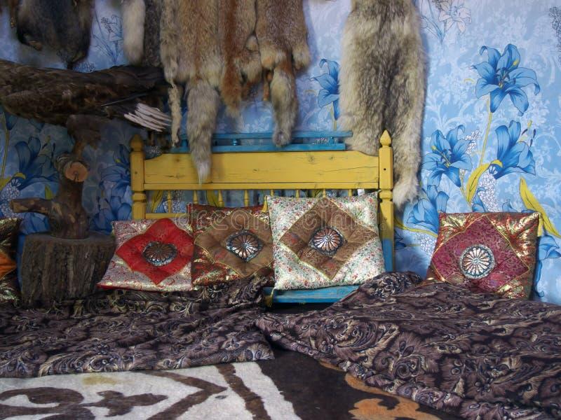 Ο εσωτερικός εθνικός Καζάκος που κατοικεί - yurt στοκ φωτογραφίες με δικαίωμα ελεύθερης χρήσης