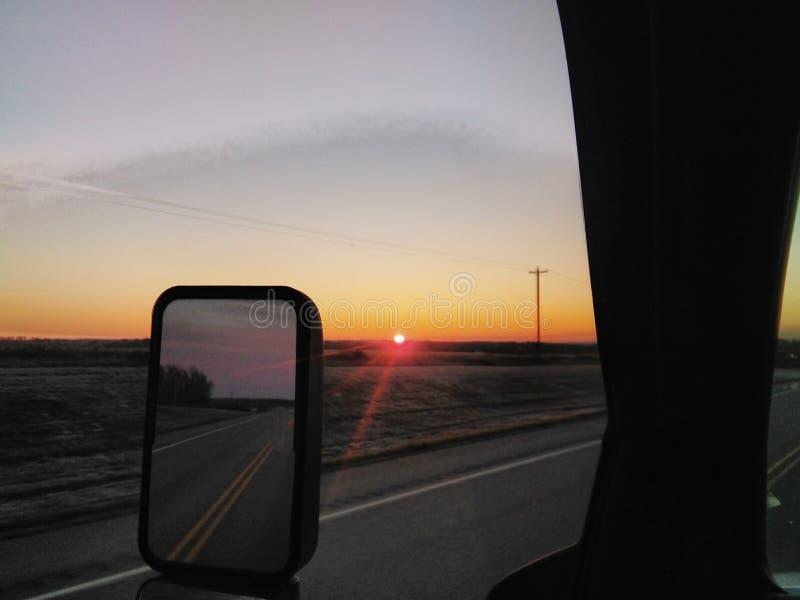 Οδηγώντας ανατολή στοκ φωτογραφία με δικαίωμα ελεύθερης χρήσης