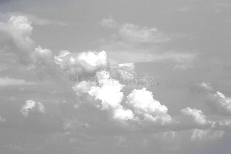 Ο θαυμάσιος ζωηρόχρωμος σωρείτης καλύπτει στον ουρανό για τη χρησιμοποίηση στο σχέδιο ως υπόβαθρο στοκ φωτογραφία με δικαίωμα ελεύθερης χρήσης
