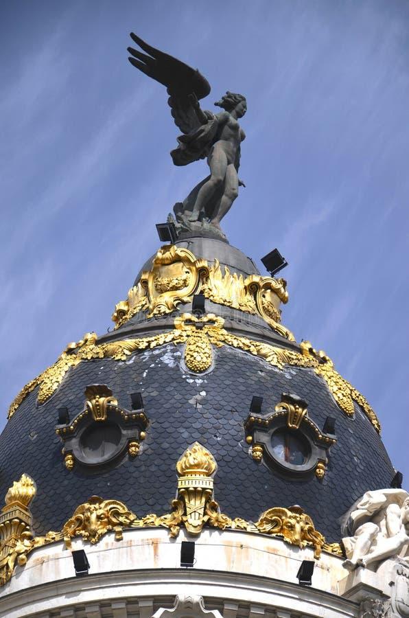 Ο θόλος του κτηρίου μητροπόλεων στη Μαδρίτη, Ισπανία στοκ εικόνα με δικαίωμα ελεύθερης χρήσης