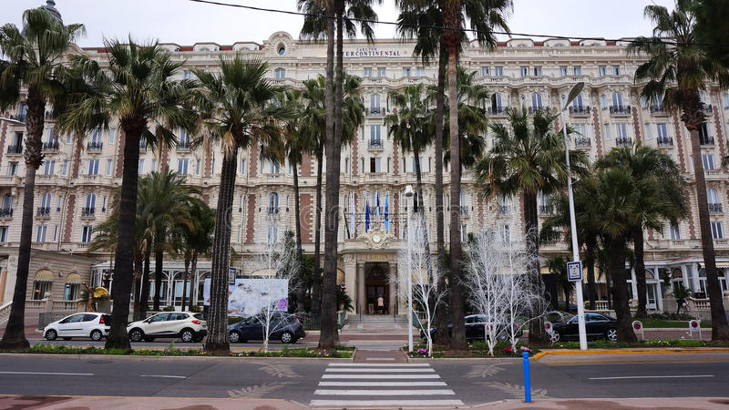 Ο διά ηπειρωτικός Carlton στις Κάννες, γαλλικό Riviera στοκ εικόνες