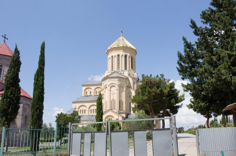 Ο ιερός καθεδρικός ναός τριάδας του Tbilisi στοκ εικόνες