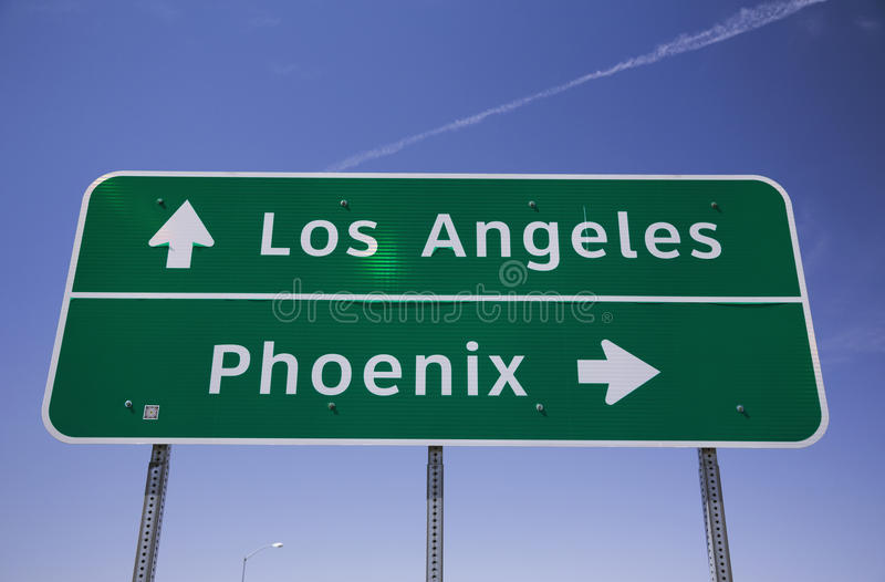 Οδικό σημάδι της Αριζόνα, ΗΠΑ, Λος Άντζελες - διαπολιτειακών αυτοκινητόδρομων του Phoenix στοκ εικόνα με δικαίωμα ελεύθερης χρήσης
