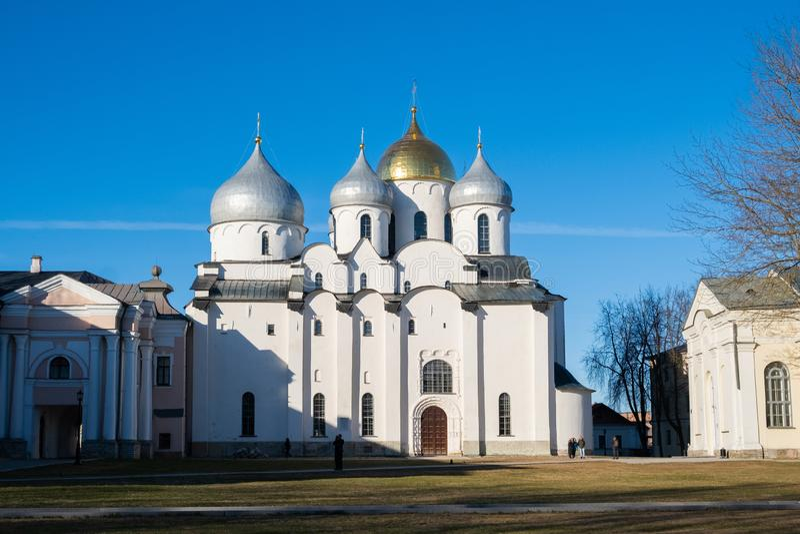 Ο καθεδρικός ναός Αγίου Sophia 1045-1050 στο Κρεμλίνο σε Veliky Novgorod, Ρωσία στοκ φωτογραφίες