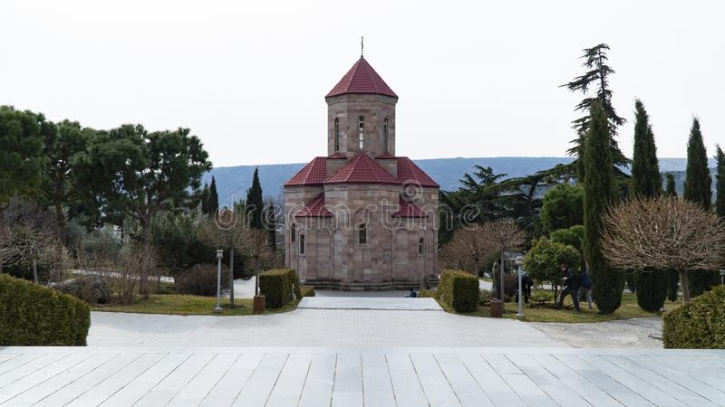 Ο καθεδρικός ναός της ιερής τριάδας στη Γεωργία στοκ φωτογραφία με δικαίωμα ελεύθερης χρήσης