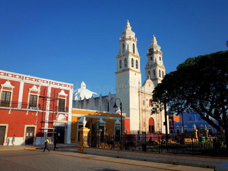 Ο καθεδρικός ναός της κυρίας μας της καθαρής σύλληψης στην περιτοιχισμένη πόλη Campeche στοκ εικόνα