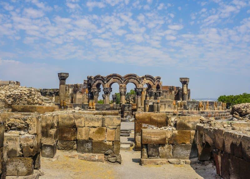 Ο καθεδρικός ναός Zvartnots καταστρέφει την άποψη στοκ φωτογραφία