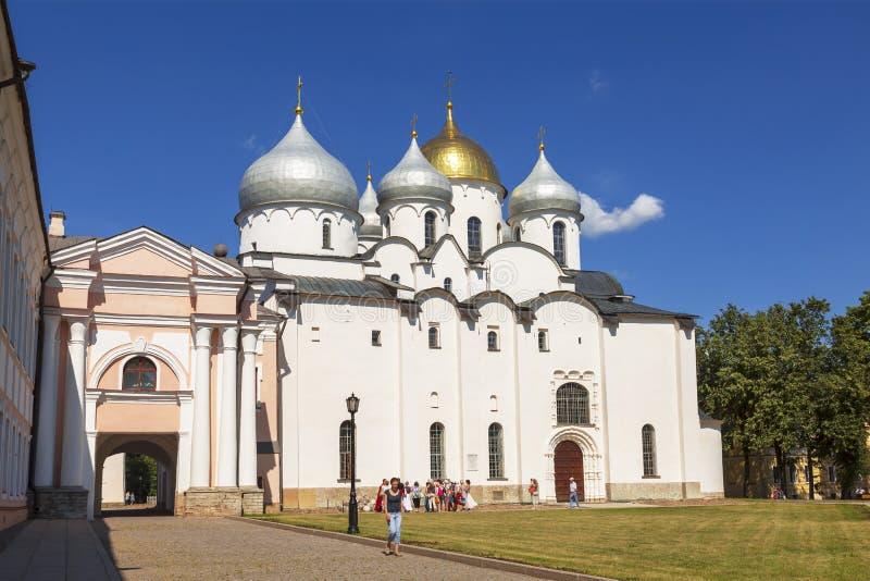 Ο καθεδρικός ναός του ST Sophia (η ιερή φρόνηση του Θεού) στο Novgorod Κρεμλίνο στοκ εικόνες