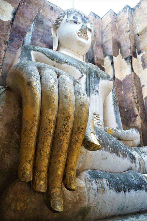 Ο καθισμένος Βούδας, Sukhotai, Ταϊλάνδη στοκ φωτογραφίες με δικαίωμα ελεύθερης χρήσης
