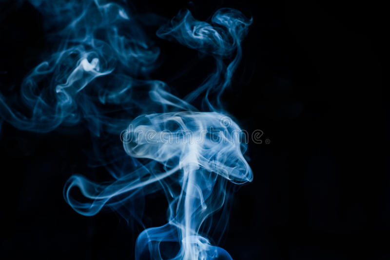 Ο καπνός μοιάζει με μια μέδουσα στοκ εικόνες