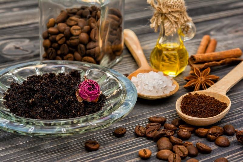 Ο καφές τρίβει bodycare στοκ εικόνες