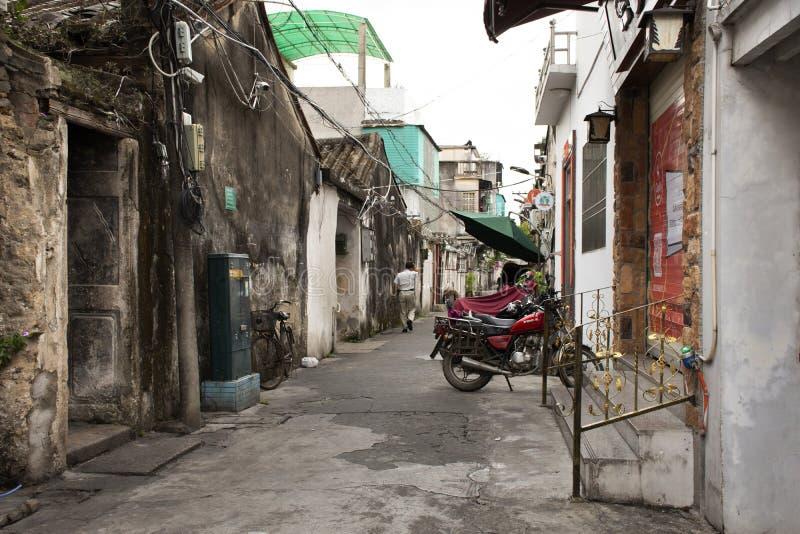 Ο Κινεζικός λαός που περπατά στη μικρή αλέα στην οδό Paifang πηγαίνει να στεγάσει στην παλαιά κωμόπολη και το αρχαίο κέντρο πόλεω στοκ εικόνες με δικαίωμα ελεύθερης χρήσης