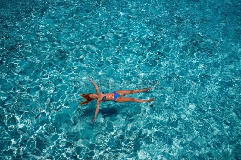Ο κολυμβητής στη θάλασσα στοκ εικόνα με δικαίωμα ελεύθερης χρήσης