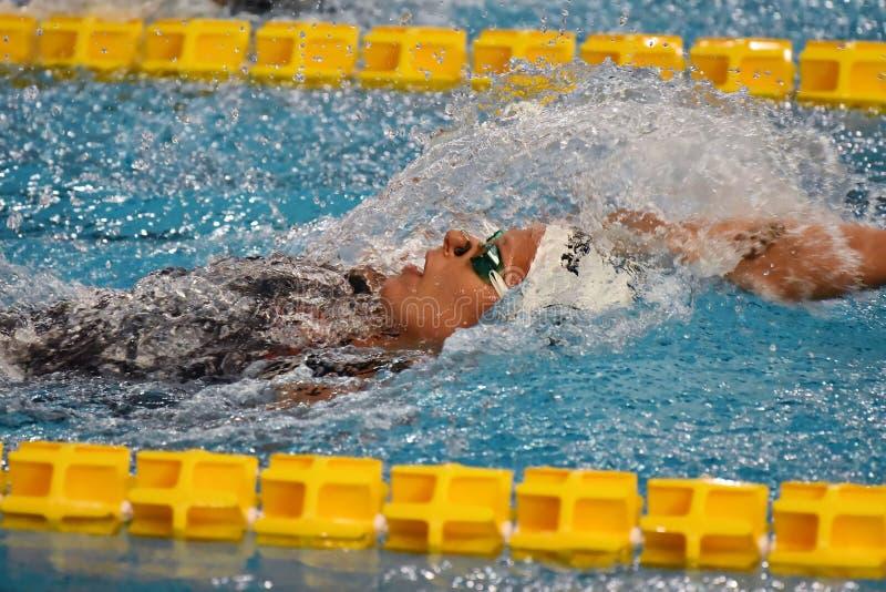 Ο κολυμβητής της Federica Pellegrini κερδίζει τελικό ύπτιου 200mt κατά τη διάρκεια της 7ης κολύμβησης Di Μιλάνο citta Trofeo στοκ φωτογραφία με δικαίωμα ελεύθερης χρήσης