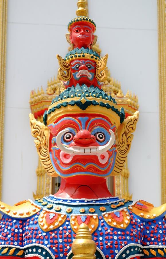 Ο κόκκινος γιγαντιαίος φύλακας είναι σχέδιο από την ταϊλανδική λογοτεχνία στοκ φωτογραφίες