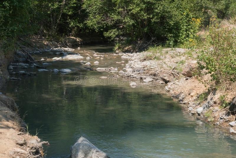 Ο κόκκινος ποταμός ρέει ήπια στο Νέο Μεξικό στοκ φωτογραφία με δικαίωμα ελεύθερης χρήσης